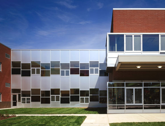 Courtyard of Greenman Elementary School, Aurora, Illinois, by Anthony Poon (w/ A4E, photo by Mark Ballogg)