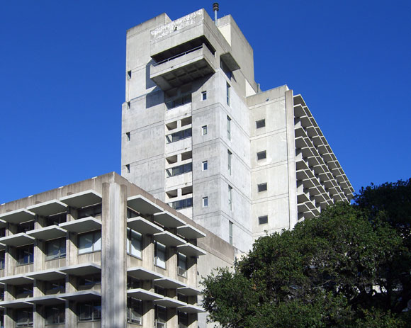 The looming Wurster Hall, College of Environmental Design, prime example of the Brutalist movement from 1950 to 1970, completed in 1964, designed by Joseph Esherick, photo by Falcorian