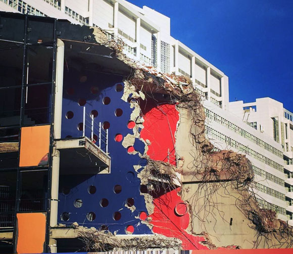 2016 demolition of the Netherlands Dance Theater, The Hague, by Rem Koolhaas, OMA (photo by kojiri.jp)