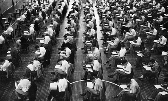 Examinees for the state license (photo from land8.com)