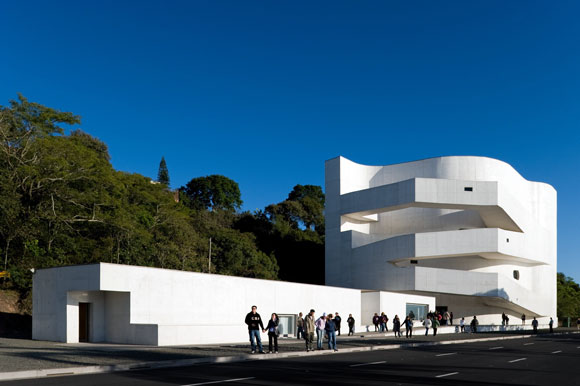 Ibere Carmargo Foundation, Porto Alegre, Brazil, by Alvaro Siza (photo by Fernando Guerra)