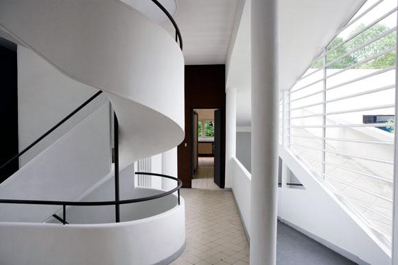 Interior of Villa Savoye, Poissy, France, by Le Corbusier (photo from commons.mtholyoke.edu)