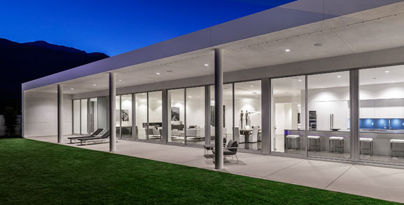 Rear of Linea Residence G, Palm Springs, California, by Poon Design and Andrew Adler (photo by Mark Ballogg)