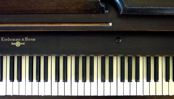 Anthony Poon's 1957 Lindeman piano