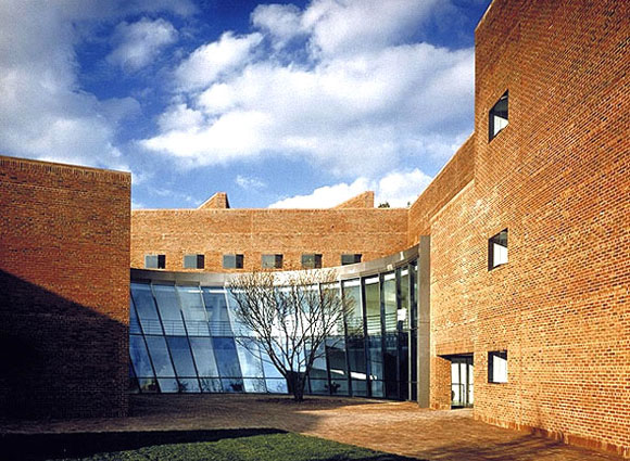 Choate Rosemary Hall Science Center, Wallingford, Connecticut, by Pei Cobb Freed & Partners (photo from pcf-p.com)