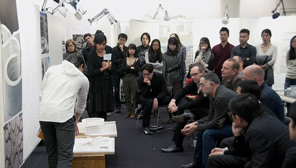 "The public ""crit"" at the Graduate School of Design, Gund Hall (photo from serie.cn)"