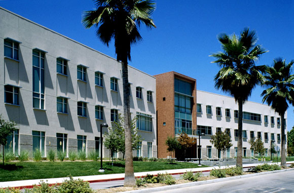 University Hall, California State University, Northridge, by Anthony Poon (w/ HHPA, photo by HHPA)