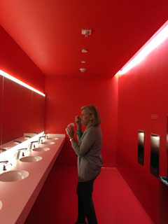 Intensely red restroom (photo by Lee Rosenbaum)