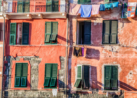 Daily life, Cinque Terre, Vernazza, Italy (photo by akulamatiau)