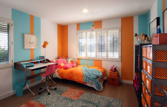 Girl's bedroom, Roberto Residence, by Poon Design (photo by Anthony Poon)