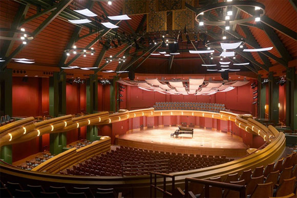 840-seat Leighton Concert Hall, DeBartolo Performing Arts Center, University of Notre Dame, Indiana, by Anthony Poon (w/ HHPA, photo by HHPA)