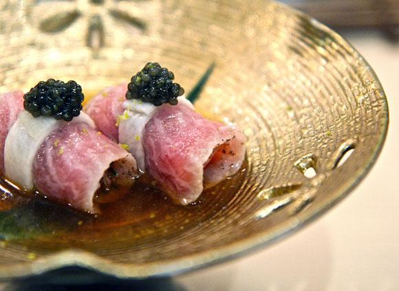 Sushi at Urasawa, Los Angeles (photo from tomostyle.wordpress.com)