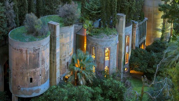 Architect Ricardo Bofill converts WWI-era cement silos into his home and office, Sant Just Desvern, Spain (photo from boredpanda.com)